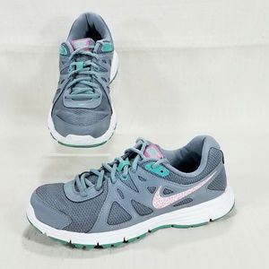 Nike Revolution 2 Sneakers Style 554900-409 Size 8